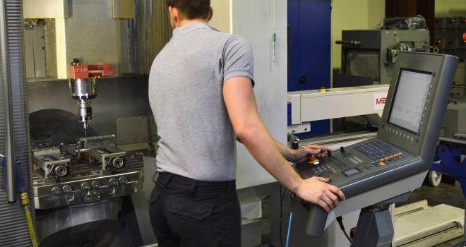 Value Engineering: Julian steigt in die Entwicklung und Optimierung von  Produkten ein